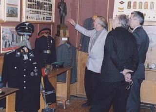 Выставка военных костюмов