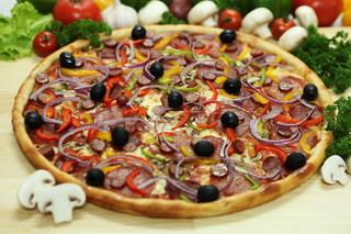 «PIZZA EXPRESS» доставит вкусный обед совершенно бесплатно