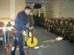 Мастер-классы по армреслингу и пауэрлифтингу провели для военнослужащих Уссурийска