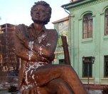В Уссурийске памятник Пушкину стал жертвой вандализма