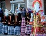 Второй день Масленицы уссурийцы встретили шутками, плясками и русскими народными играми