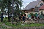 Улицы Уссурйиска расчищают от нанесенного паводком мусора