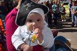 В День города в парке Уссурийска прошел парад колясок