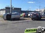 В Уссурийске автомобиль завалился набок после жёсткого ДТП