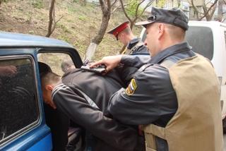 Грабитель из Уссурийска похитил у гражданина КНР сумку с крупной суммой денег