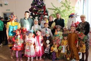 Уссурийские таможенники сделали новогодние подарки воспитанникам социально-реабилитационных учреждений