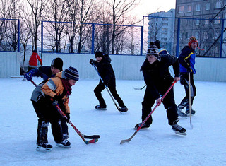 Хоккейные коробки и ледяные горки в Уссурийске безопасны и содержатся в порядке