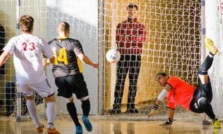 Второй круг открытого чемпионата края по мини-футболу стартовал в Уссурийске
