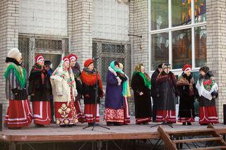 Уссурийцы проводили зиму народными гуляниями, песнями, плясками