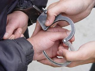 Мотоциклист задержан за нападение на сотрудника ГИБДД в Уссурийске