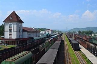 Более 4,5 миллионов тонн грузов прошло с начала года через железнодорожный таможенный пост Пограничный Уссурийской таможни