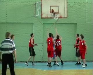 Уссурийские баскетболисты и теннисисты из ССУЗов показали класс на Первенстве края
