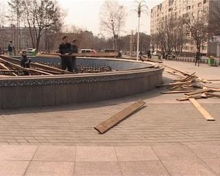 «Поющий» фонтан готовится к летнему сезону