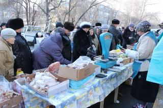 Предновогоднюю ярмарку в Уссурийске посетили сотни горожан