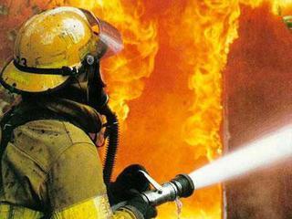 Деревянный гараж горел в Уссурийске