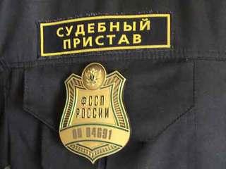 Судебные приставы с боем штурмовали квартиру должника в Уссурийске