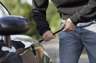 Угонщик бросил украденный автомобиль в Уссурийске