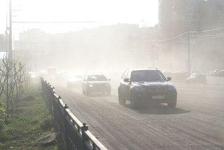 Жители трех улиц в Уссурийске задыхаются от дорожной пыли
