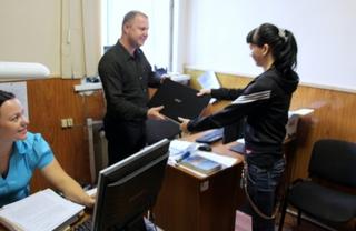 Транспортные полицейские Уссурийска вернули похищенный в поезде ноутбук законной хозяйке
