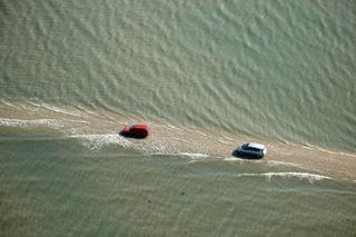 Дорога, дважды в сутки уходящая под воду