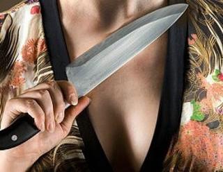 56-летняя жительница Уссурийска ударила ножом своего приятеля