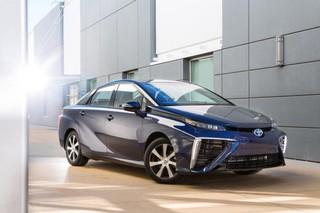 Toyota начала продажи автомобиля с водородным двигателем