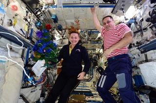 Поздравление с Новым годом передала с космической орбиты уроженка Уссурийска