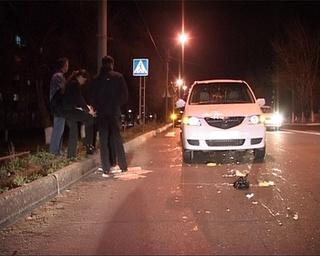 Женщину сбил автомобиль на пешеходном переходе