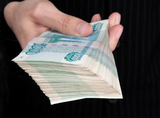 Китаянка пыталась подкупить 200 тысячами рублей полицейского в Уссурийске