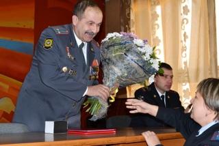 Полицейские Уссурийска проводили на заслуженный отдых главного участкового города