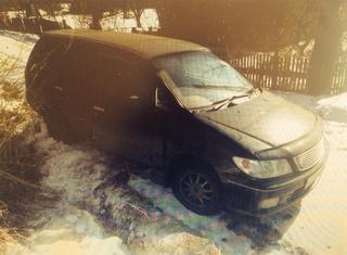 Жительница Уссурийска едва не погибла под колёсами собственной машины