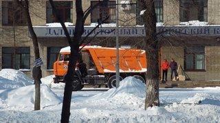 Оперативный штаб по ликвидации последствий снегопада работает в УГО