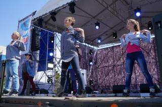 Общегородская зарядка в Уссурийске в честь 70-летия Победы собрала порядка 700 человек