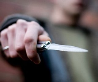 Житель Уссурийска ударил ножом своего приятеля