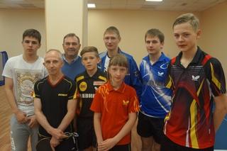 Тренер юношеской сборной России по настольному теннису провел мастер-класс в Уссурийске