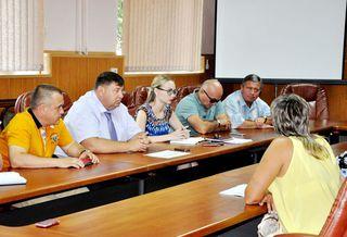 Продолжаются встречи заместителей главы администрации УГО с жителями территориальных округов