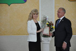Торжественная церемония, посвященная Дню учителя, состоялась в администрации Уссурийска