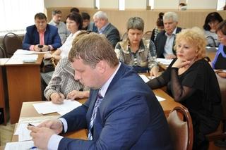 Заседание Общественного совета по вопросам ЖКХ состоялось в администрации УГО