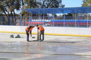 В микрорайоне «Восход» в Уссурийске завершается строительство мини-стадиона