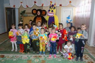 Волонтёры Уссурийска дарят игрушки и проводят игровые программы в детских домах