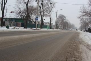 На улицах Уссурийска с утра работают 14 единиц снегоуборочной техники