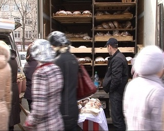 На пасхальной ярмарке можно купить куличи от всех местных производителей