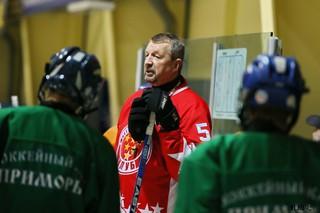 Заслуженный тренер России по хоккею Сергей Гимаев провел серию мастер-классов в городах Приморья