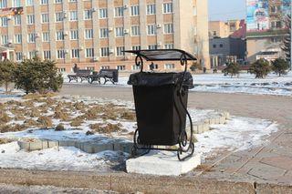 Больше 100 новых урн будет установлено на центральных улицах и в скверах Уссурийска
