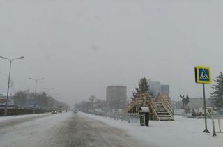 55 единиц техники убирают снег на дорогах Приморья