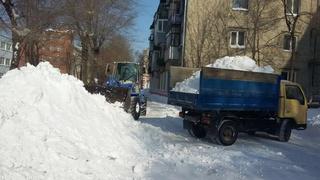 Жители микрорайона «Северный» поинтересовались вопросами очистки улиц на встрече с зам. главой администрации