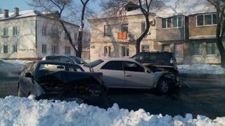 ДТП с тремя пострадавшими из-за снежной насыпи произошло в Уссурийске