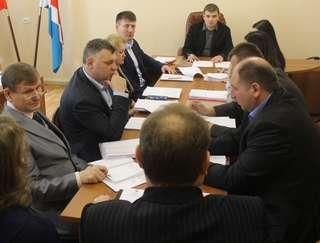 Прием граждан по личным вопросам провел глава администрации округа Евгений Корж