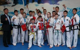 Спортсменов Приморской краевой федерации тхэквондо чествовали в Уссурийске