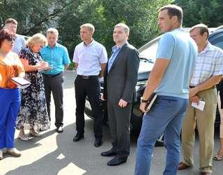 Выездную рабочую встречу по вопросам благоустройства в округе провел глава администрации УГО